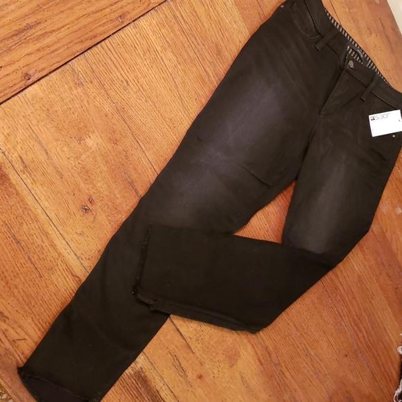 Joe's Jeans Denim - JOE'S NWT CAPRISE. SIZE 29.